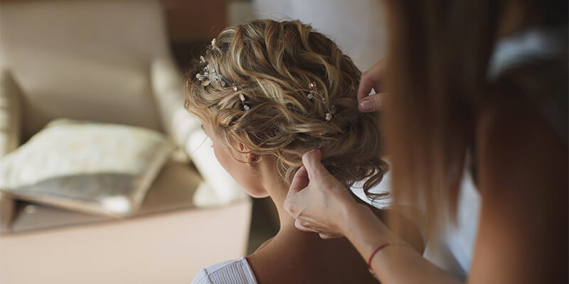 bride having hair done 1